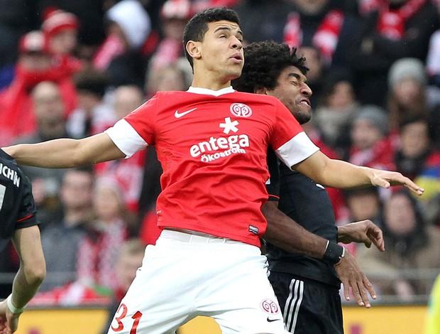 dante parker Bayern de Munique x Mainz  (Foto: AFP)
