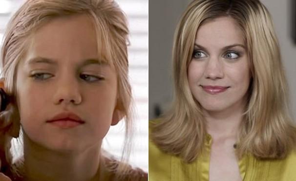 Anna Chlumsky, aos 11 anos, no filme 'Meu Primeiro Amor', e aos 31, em 'Pill' (Foto: Divulgação / Reprodução)