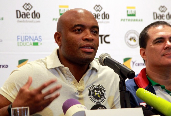 Coletiva de Anderson Silva no Rio (Foto: Cezar Louzeiro / Agência O Globo)