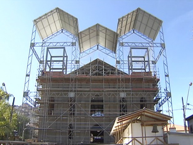 Obras da igreja matriz de São Luiz do Paraitinga (Foto: Reprodução/TV Vanguarda)