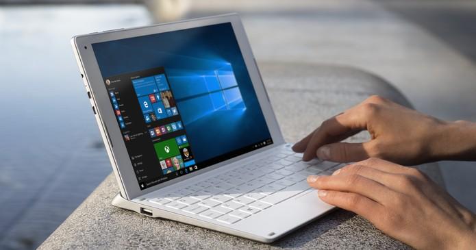 Híbrido Plus 10 vem com Windows 10, chip intel e teclado confortável (Foto: Divulgação/Alcatel)