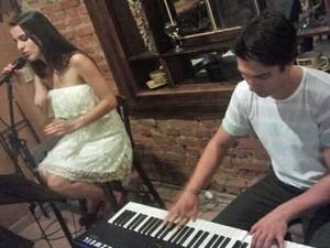 Allice Tirolla e o marido têm um projeto de jazz juntos (Foto: Arquivo Pessoal)