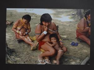 Mulher Yanomami (Foto: Rodrigo Menaros / G1 RR)