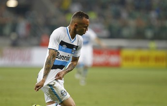 """Comentarista diz que Everton é o """"bola da vez"""" no ataque do Grêmio"""