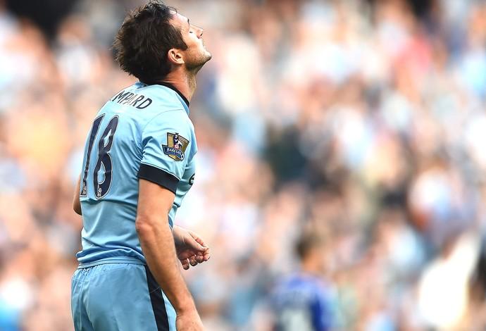 Lampard comemora gol do Manchester City contra o Chelsea (Foto: Getty Images)