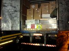 PRF apreende caminhão carregado com mil garrafas de vinho argentino