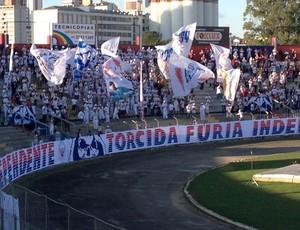 Torcida do Paraná Clube na Vila Capanema (Foto: Rafael Les)