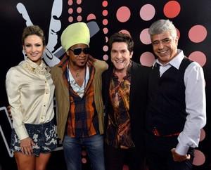 Claudia Leitte posa com os outros técnicos do 'The Voice Brasil': grande momento de 2012 (Foto: Divulgação/ TV Globo)