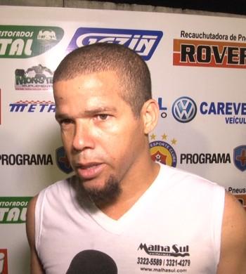 Meia Edilsinho, do Vilhena após jogo contra o Rio Branco-AC, pela Série D (Foto: Reprodução/Rede Amazônica Vilhena)