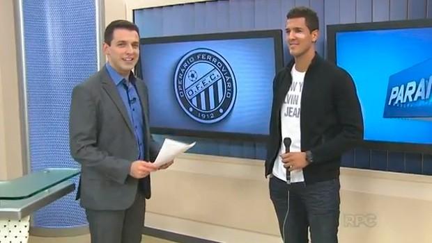Após o título, goleiro Jhonatan é o convidado especial do Paraná TV (Foto:  Reprodução/RPC)