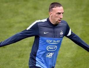 Ribery treino da França (Foto: AFP)