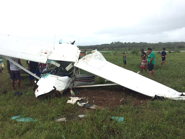 Ao retornar após pane, avião caiu próximo à pista do aeroporto (Foto: G1 MA)