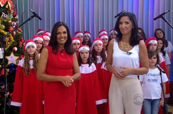 Cristina Ranzolin e Alice Bastos Neves apresentaram o Sábado Especial de Natal (Foto: Reprodução/RBS TV)