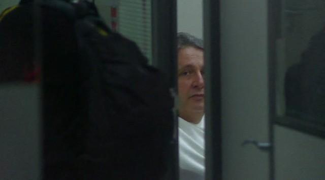 Imagens mostram ex-governador do RJ Anthony Garotinho dentro da sede da PF