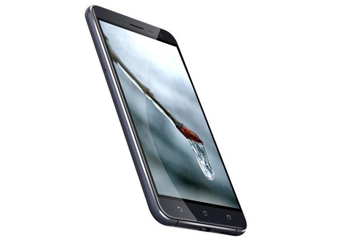 Zenfone 3 tem 3.000 mAh de bateria, assim como o Galaxy S7 (Foto: Divulgação/Asus)