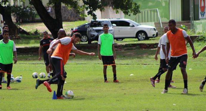 treino Flamengo-PI, CFAP (Foto: Abdias Bideh/GloboEsporte.com)