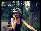 Luciana Gimenez passeia de bicicleta com os filhos: 'Dia feliz'