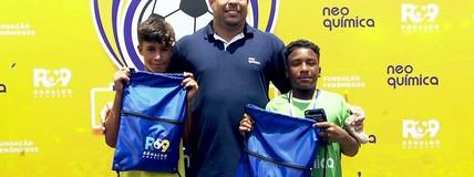 Com Cafu, Ronaldo Fenômeno visita o Jardim Irene e assiste a torneio sub-13
