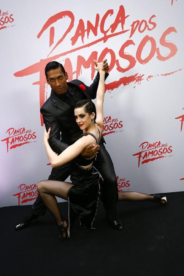 Sophia Abrahão e os atores Felipe Simas e Rainer Cadete (Foto: Cláudio Augusto/Brazil News)