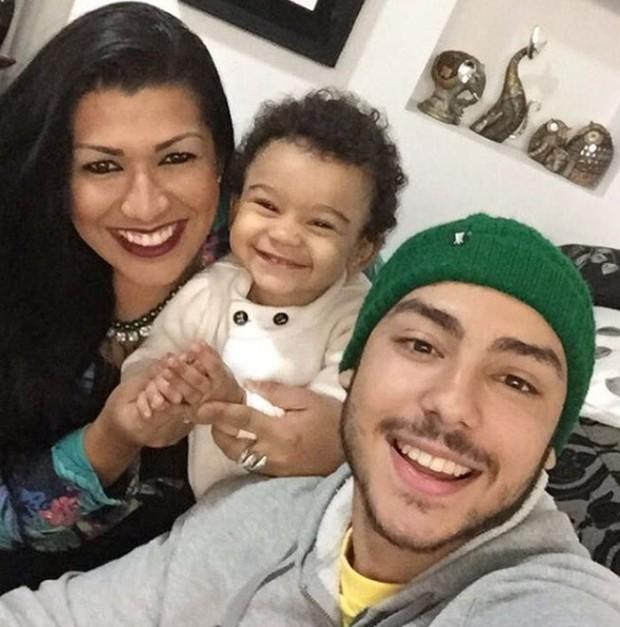 Ellen Cardoso com os filhos (Foto: Reprodução/Instagram)