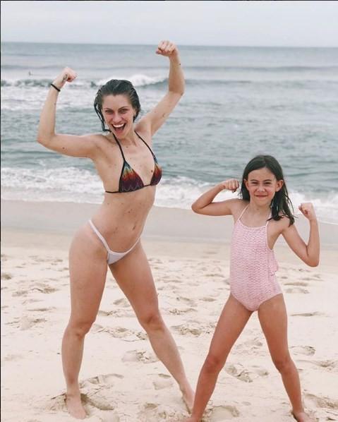 Lana e a filha, Manuela (Foto: Reprodução)