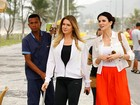 Letícia Spiller, Fernanda Paes Leme e Sidney Sampaio gravam na praia