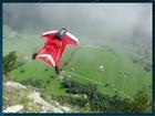 Bombeiros encontram corpo de atleta de wingsuit na Pedra da Gávea