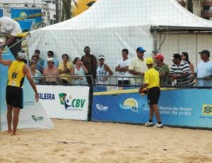 Márcio, confusão, vôlei de praia, (Foto: Lucas Barros / Globoesporte.com/pb)