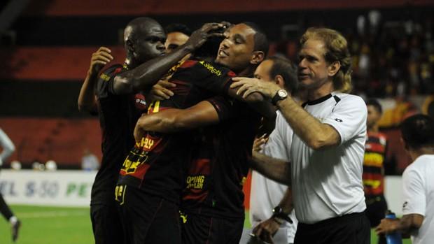 Sport x Ponte Preta (Foto: Aldo Carneiro/Pernambuco Press)
