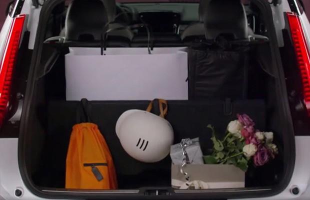 Porta-malas do XC40 compensará o tamanho menor com divisórias práticas (Foto: Reprodução)