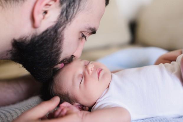 paternidade, pai, bebê, recém-nascido, filho, dia dos pais (Foto: Thinkstock)