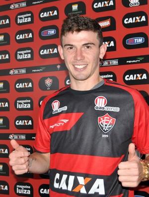 Luiz Gustavo, zagueiro do Vitória (Foto: Divulgação/EC Vitória)