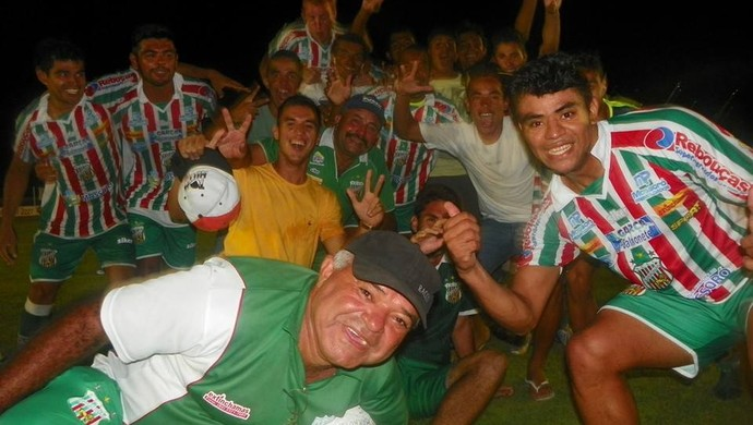 Jogadores do Baraúnas comemoram classificação para a final (Foto: Carlos Guerra Júnior/Divulgação)