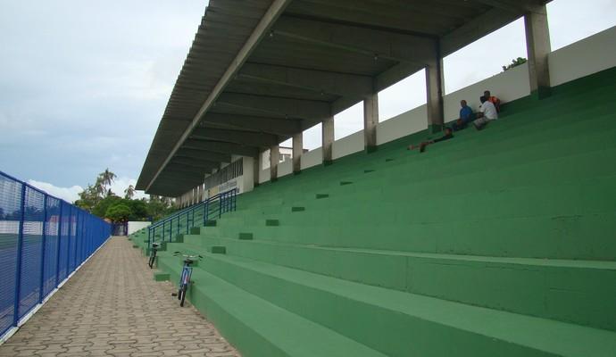 Estádio Verdinho, local da partida entre Parnahyba e ABC (Foto: Josiel Martins)