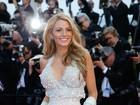 De todos os ângulos! Veja o look de Blake Lively no 2º dia de Cannes