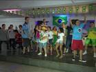 Baile no Rio reúne jovens com uma necessidade especial: ser feliz
