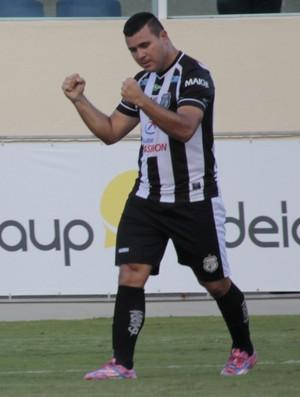 Nonato atacante do Treze (Foto: Osmar Rios / GloboEsporte.com)