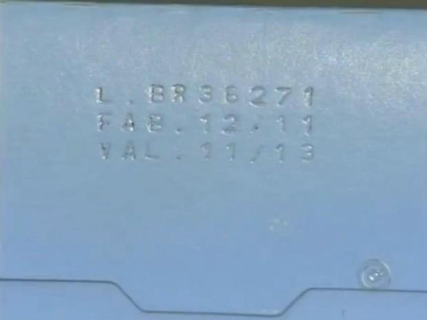 56d692720 Consumidores têm dificuldades para fazer a leitura de informações nas  caixas de remédios. (Foto