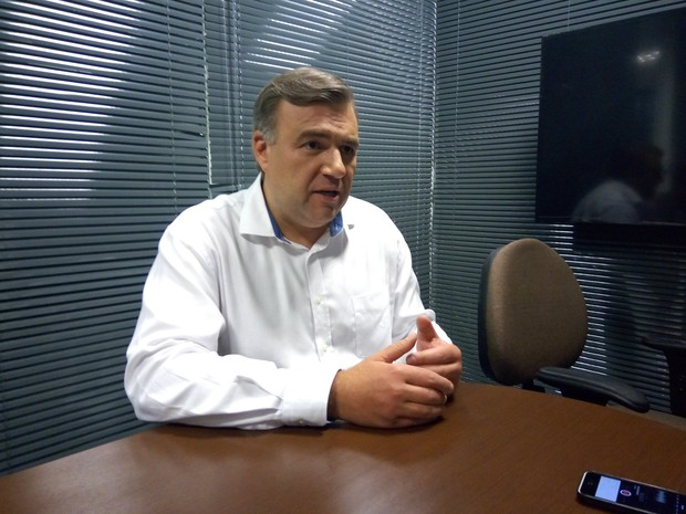 Ney Leprevost foi entrevistado nesta segunda-feira (24) (Foto: Erick Gimenes/G1)