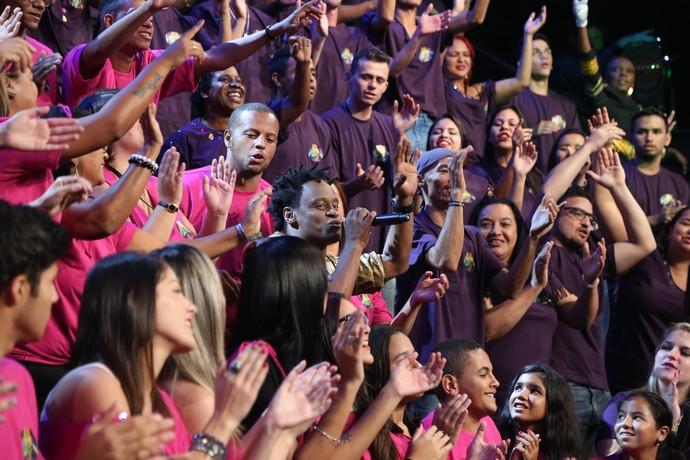 Toni Garrido empolgou a plateia e cantou junto com a galera (Foto: Carol Caminha / Gshow)