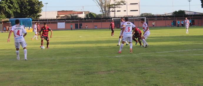 Flamengo-PI e Barras pela segunda rodada do Piauiense 2014 (Foto: Náyra Macêdo/GLOBOESPORTE.COM)