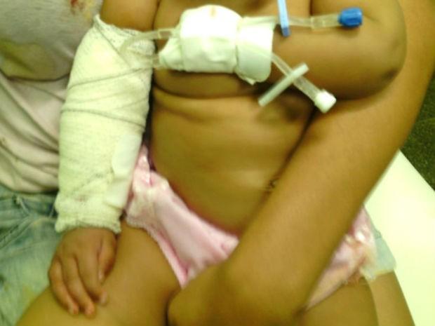Bebê é baleado na Bahia em atentado que matou jovem e feriu outros dois