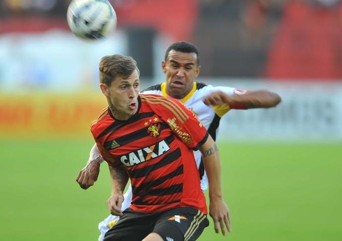 Zé Mário na partida Sport x Criciúma (Foto: Aldo Carneiro (GloboEsporte.com/Pernambuco Press))