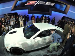 GM Chevrolet Camaro Z28 no Salão de Nova York (Foto: STAN HONDA / AFP)