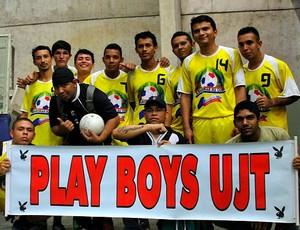 Playboys homegeiam amigo fundador da equipe (Foto: Frank Cunha/Globoesporte.com)