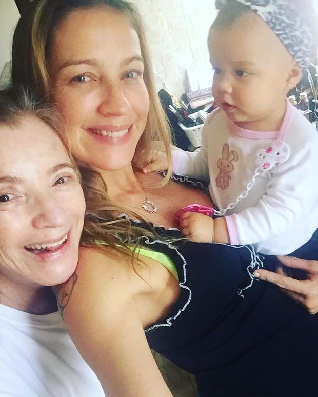Luana Piovani posa com a mãe e a filha (Foto: Reprodução / Instagram)