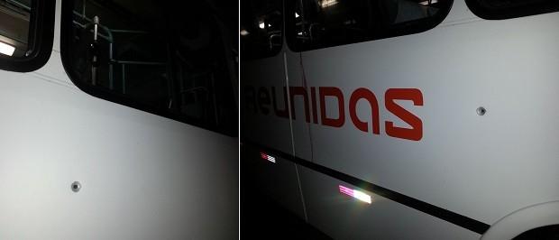 Um dos criminosos atirou em direção aos passageiros. A bala atingiu a lateral do veículo, pouco abaixo de uma das janelas (Foto: Kléber Teixeira/Inter TV Cabugi)