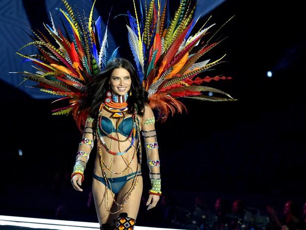Adriana Lima  (Foto: Getty)