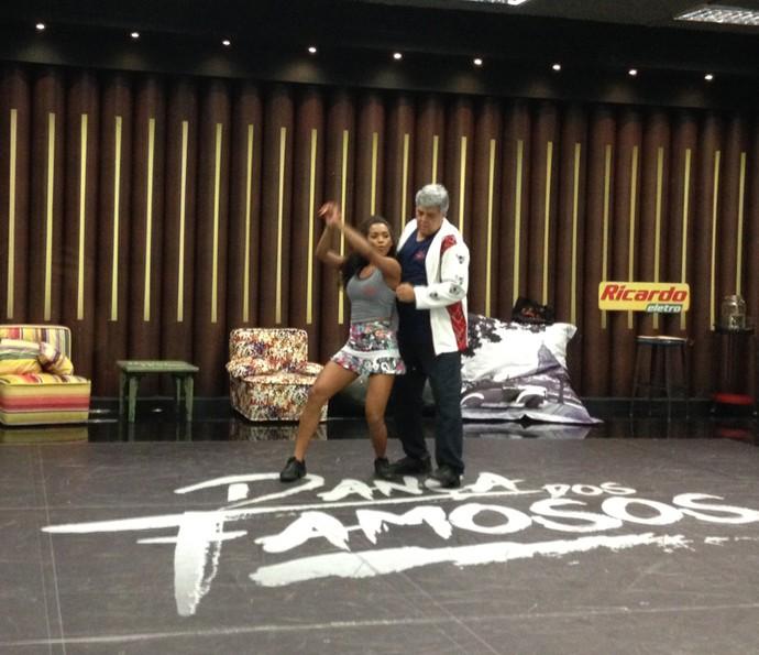 Coreografia do funk é um desafio para todos os participantes (Foto: Janaína Ornellas/Gshow)