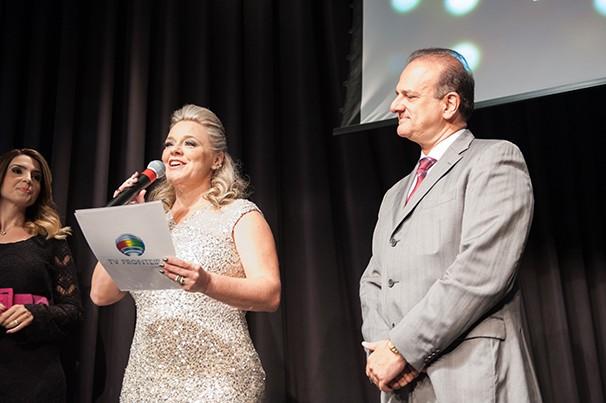 Luciane Lima, diretora executiva Paulo Lima, acionista da TV Fronteira falaram aos convidados (Foto: Rodrigo Oliveto)